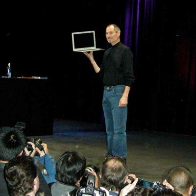 Steve Jobs Demonstrates The MacBook Air