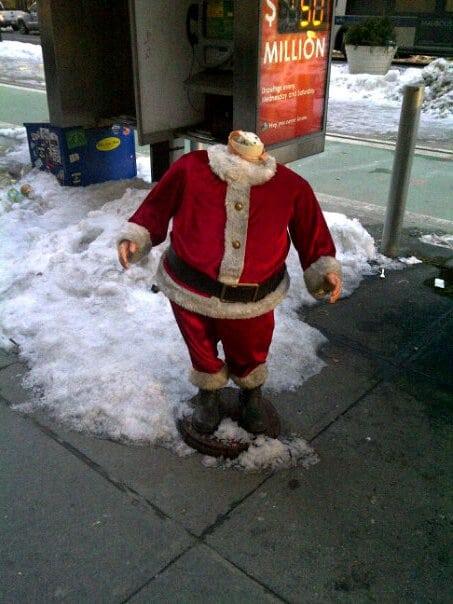 Headless Santa Spotted in Manhattan