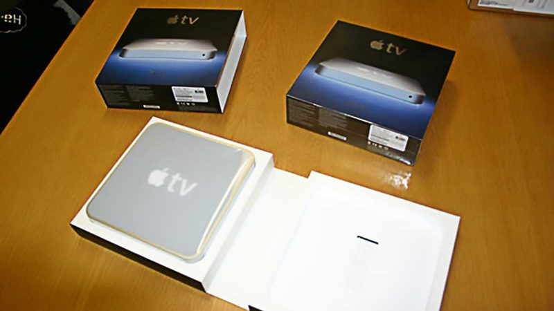 First Generation Apple TV Unboxing - Opened