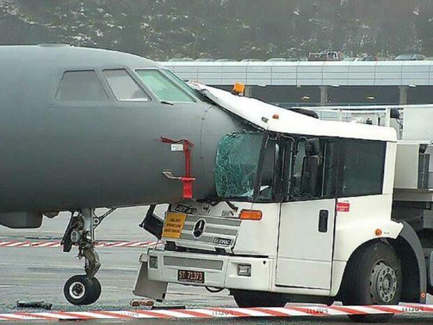 Plane Vs Truck