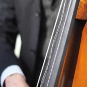 High Speed Video Effect Creates Wobbly Bass Strings