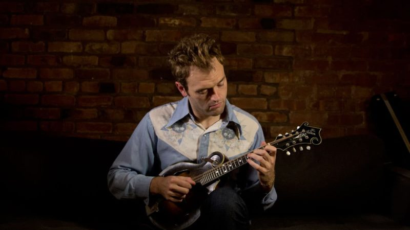 Expert Mandolin Player Chris Thile Demonstrates Mandolin Shredding