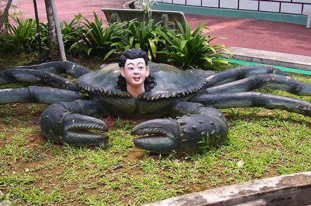 Crab Guy - Haw Par Villa In Singapore, Thailand - Weirdest Statues