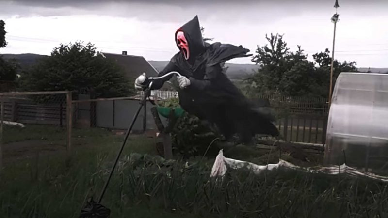 Ghostface Scarecrow