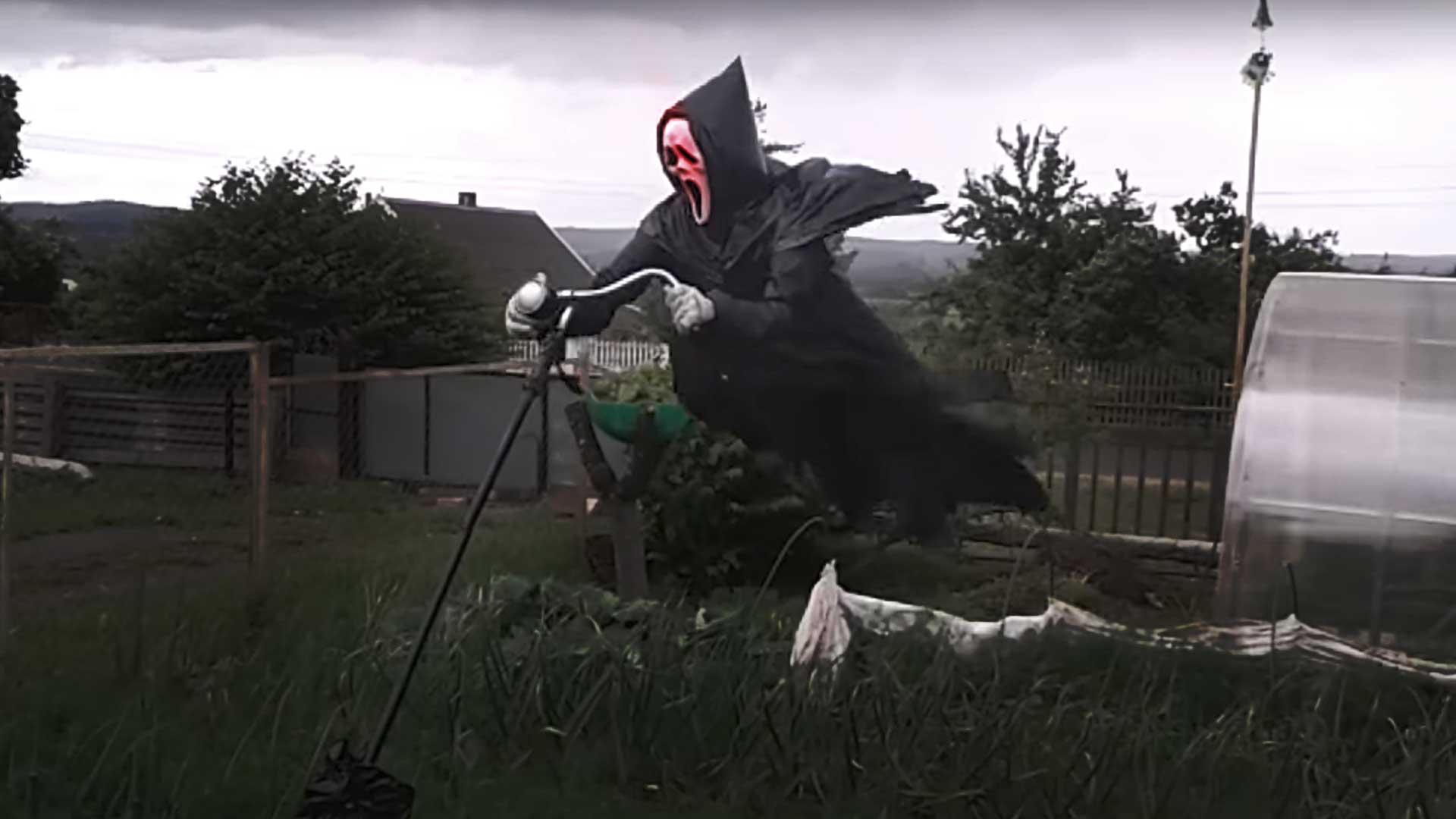 Office space tps report quote - This Ghostface Scarecrow Will Terrorize Your Neighborhood