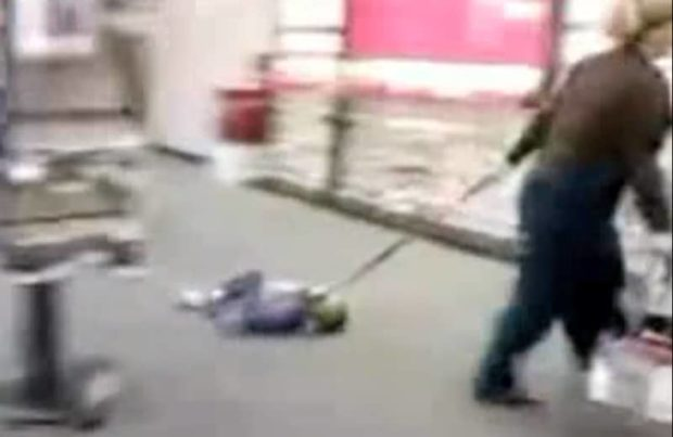 Angry Alabama Mom Drags Kid On Leash Through Verizon Store - Woman Drags Child On Leash Through Verizon Store