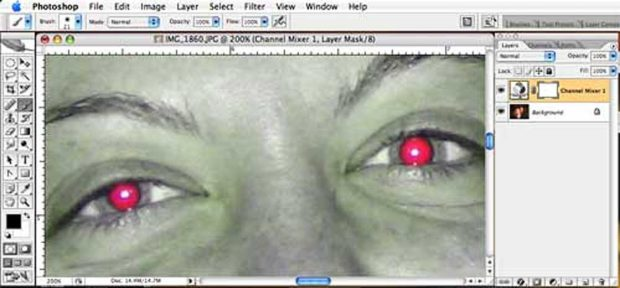 How to remove red eye with Photoshop