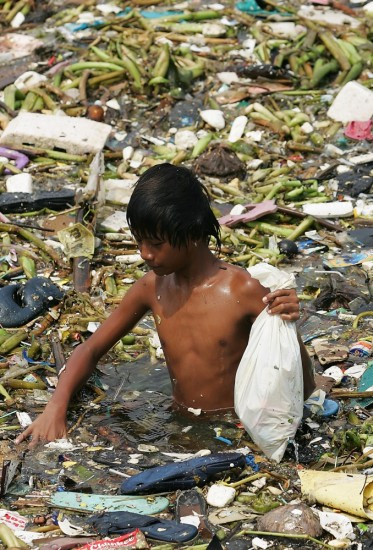pollution-trash-bath