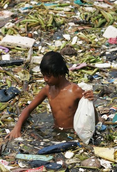Pollution-Trash-Bath