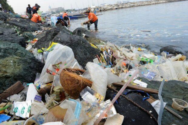 Pollution-Trash-Beach