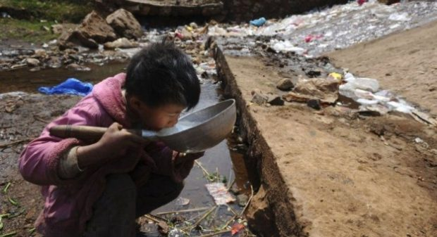 Pollution-Trash-Water-Drink