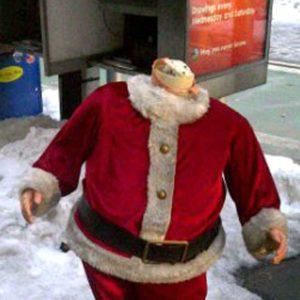 Decapitated Santa Found in Manhattan