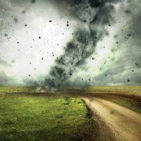 Tornado Chaser FAIL: Amateur Tornado Chaser Has Close Encounter In Novinger, Missouri