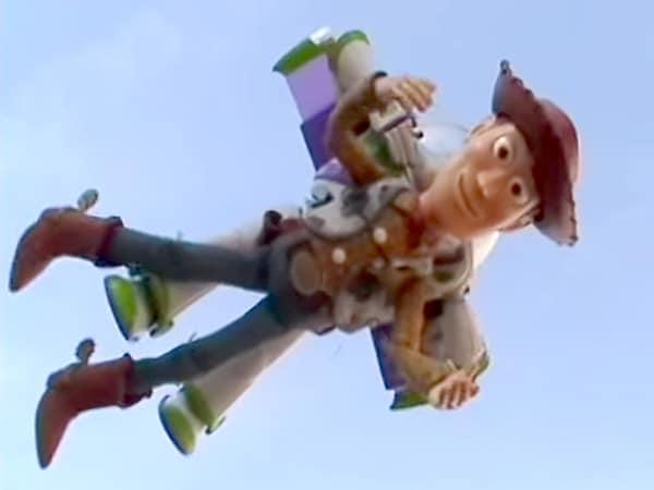 Toystory-Woody-Buzz-Fly