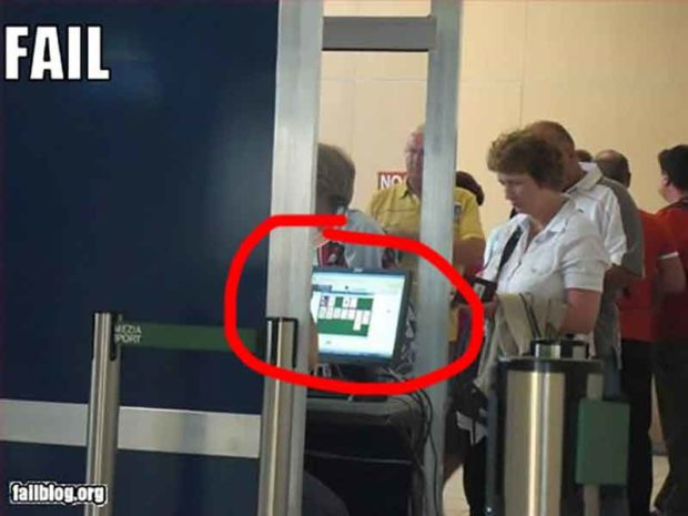 TSA Fail - TSA Agent Busted Playing Solitaire