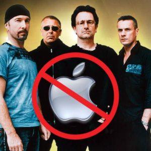 U2 Blames Apple for Switch to Blackberry (2009)