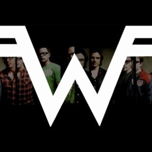 Weezer Drummer Patrick Wilson's EPIC Mid-Song Frisbee Catch